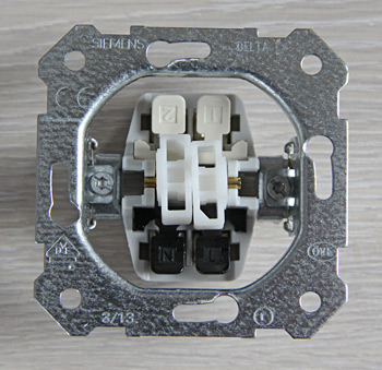 Siemens Delta. Механизм двухклавишной кнопки